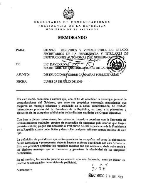 Memorando del 27 julio de 2009 enviado por David Rivas en el que les ordena a ministros, viceministros y jefes de autónomas -por instrucción de Mauricio Funes- la coordinación de las licitaciones de publicidad y la aprobación de campañas en Casa Presidencial. Foto: Archivo El Faro.