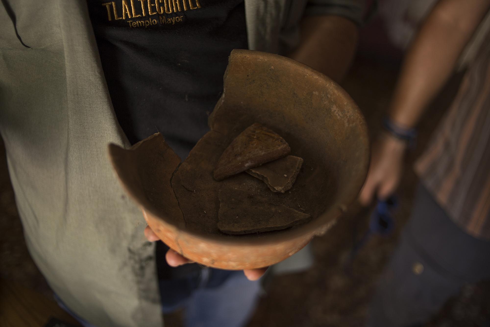 Piezas arqueológicas, patrimonio de Tacuscalco, un sitio que ha sido devastado por la constructora Fénix de Salazar Romero, en el municipio de Nahulingo.