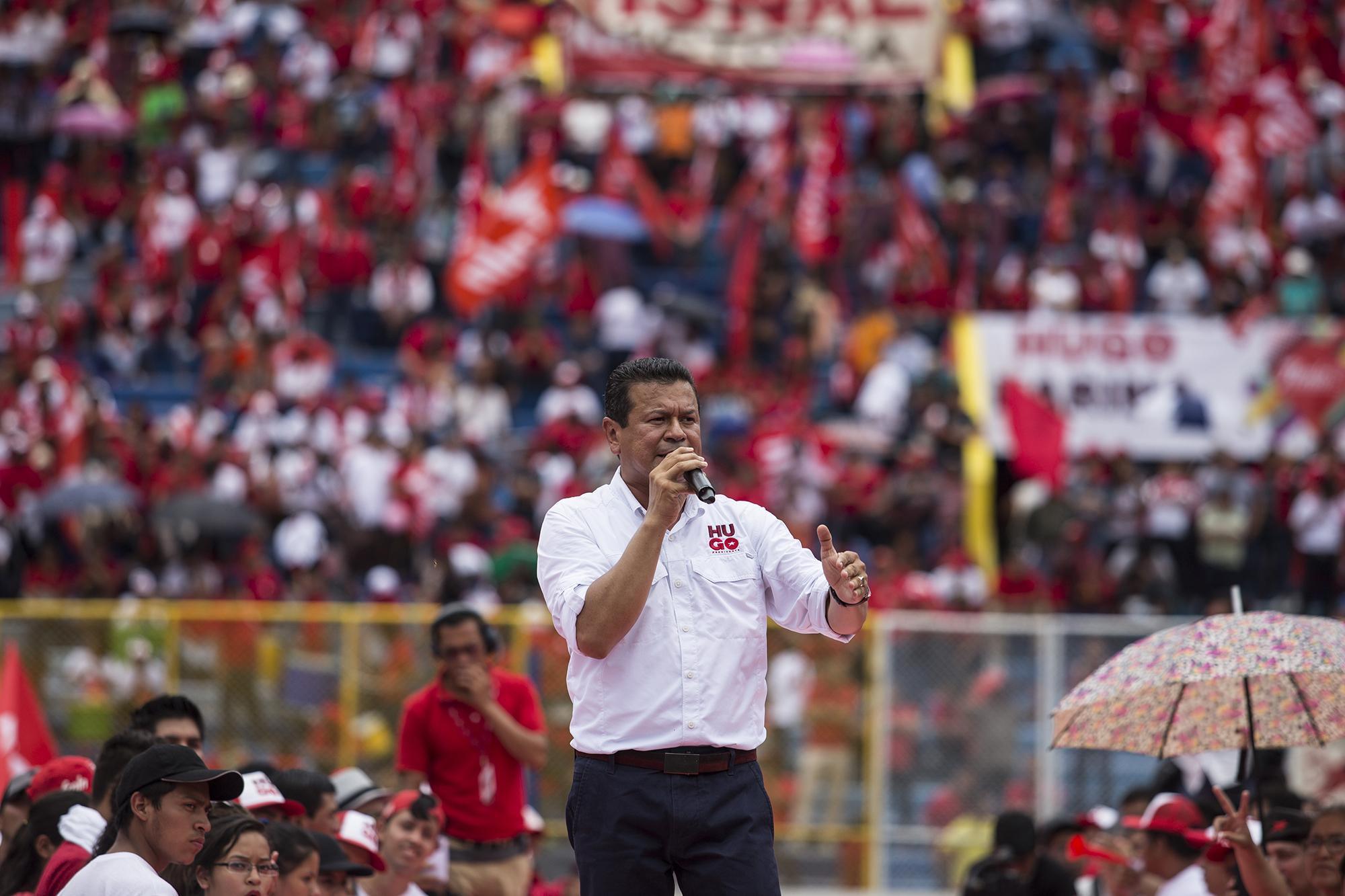 Hugo Martínez, candidato a la Presidencia de la República por el FMLN. Foto Fred Ramos (El Faro).
