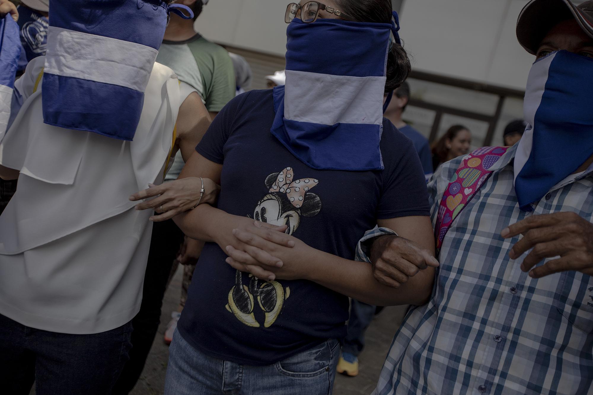 Al mismo tiempo que se realizaba el plantón en el parqueo del centro comercial San Francisco, otros más ocurrieron en diferentes puntos de Managua. La policía arrestó a 68 manifestantes, entre ellos el periodista Abixael Mogollón, del periódico digital Articulo 66, quien fue liberado horas después.