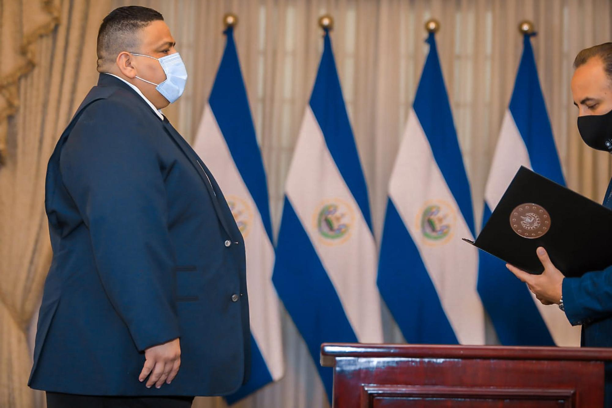 Carlos Aparicio during his swearing-in as deputy director general of prisons (Centros Penales). Photo: CAPRES