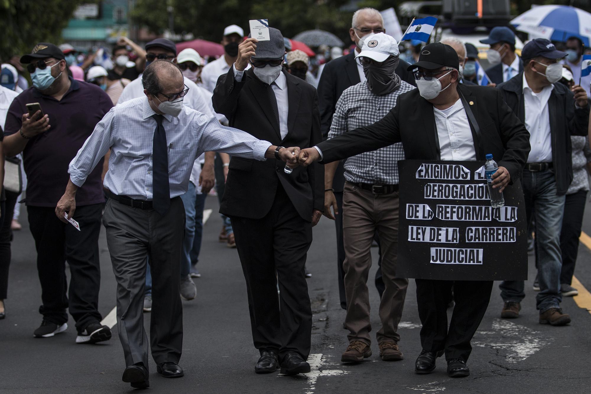 Los jueces buscan justicia marchando en las calles - ElFaro.net