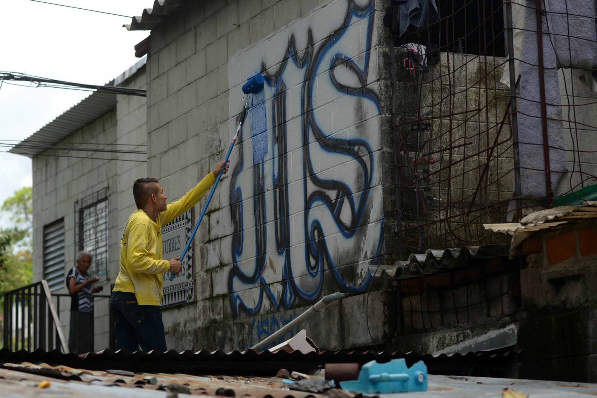 En enero de 2015, el gobierno del FMLN le apostó a la vía represiva para acabar con el fenómeno de las maras pero, más de tres años después, El Salvador aún presenta una tasa de homicidios en torno a 60 homicidios por cada 100 000 habitantes, uno de los más altas del mundo. Foto Marvin Recinos (AFP).
