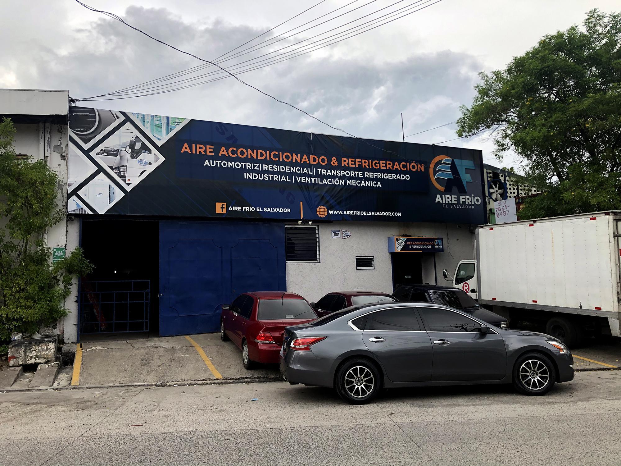 Oficinas de la empresa Aire Frío El Salvador, en Mejicanos. La empresa, fundada por Christian Guevara y dirigida por sus socios, firmó ocho contratos con Obras Públicas, por 1.09 millones de dólares entre marzo y julio de 2020. Fotografía: El Faro/ Gabriel Labrador