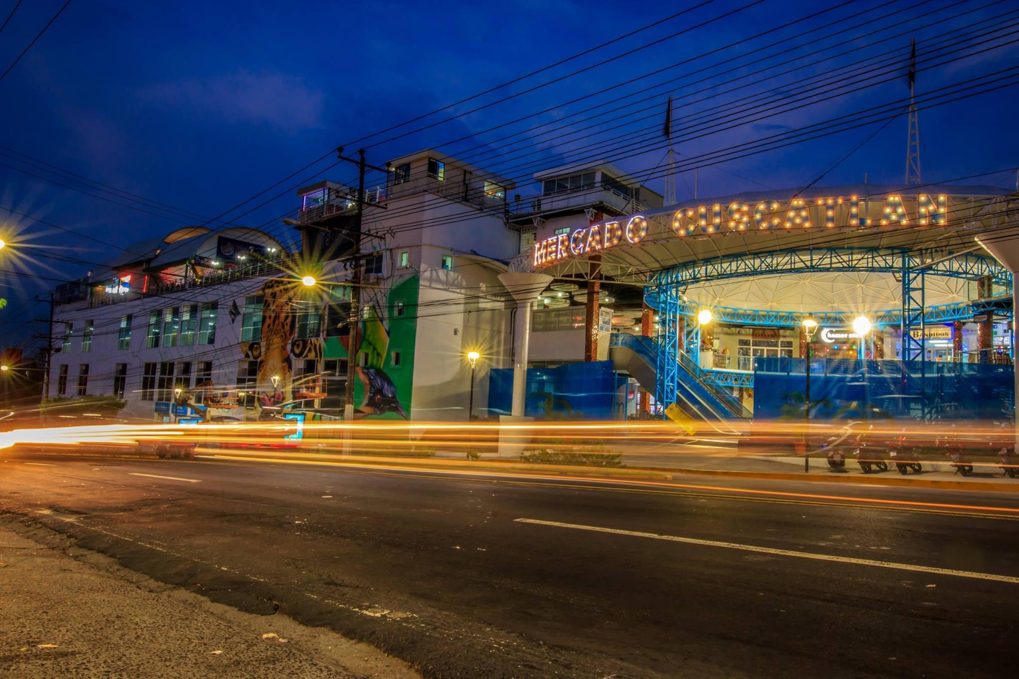 Fachada del Mercado Cuscatlán en mayo de 2017. Foto de El Faro: tomada del perfil público en Facebook de Nayib Bukele.