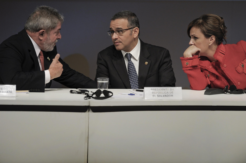 El 9 de agosto de 2010, el presidente Mauricio Funes y la primera dama Vanda Pignato hicieron una visita oficial a Brasil. Se reunieron con el presidente Luiz Inacio Lula da Silva en una ceremonia en Sao Paulo de la Federación de Industriales (FIESP). AFP PHOTO/Mauricio LIMA / AFP PHOTO / MAURICIO LIMA