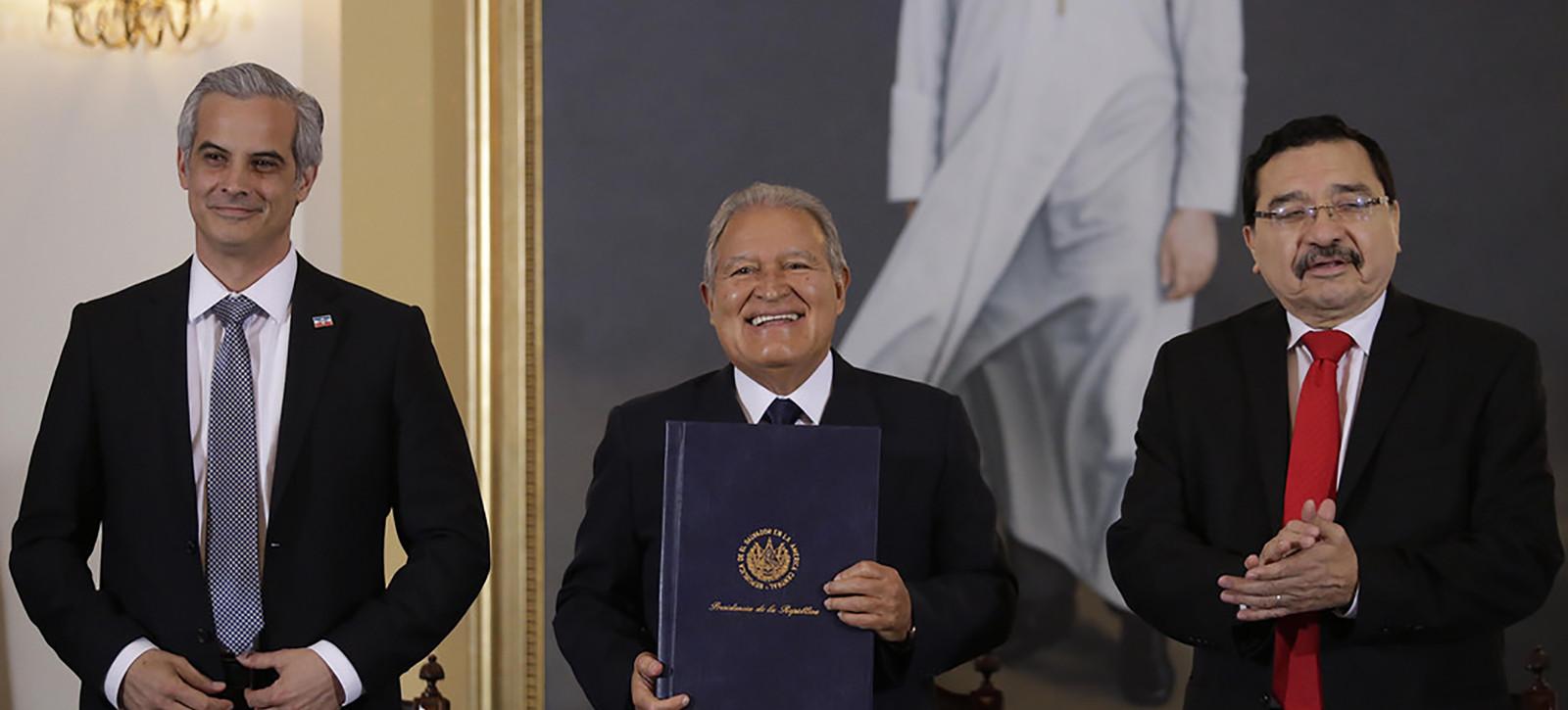 La amnistía de Arena y FMLN busca anular el informe de la Comisión de la  Verdad - ElFaro.net